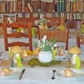 Décoration Alice au Pays des Merveilles Pâques pliage serviette lapin champignons théière mousse toile de jute 2