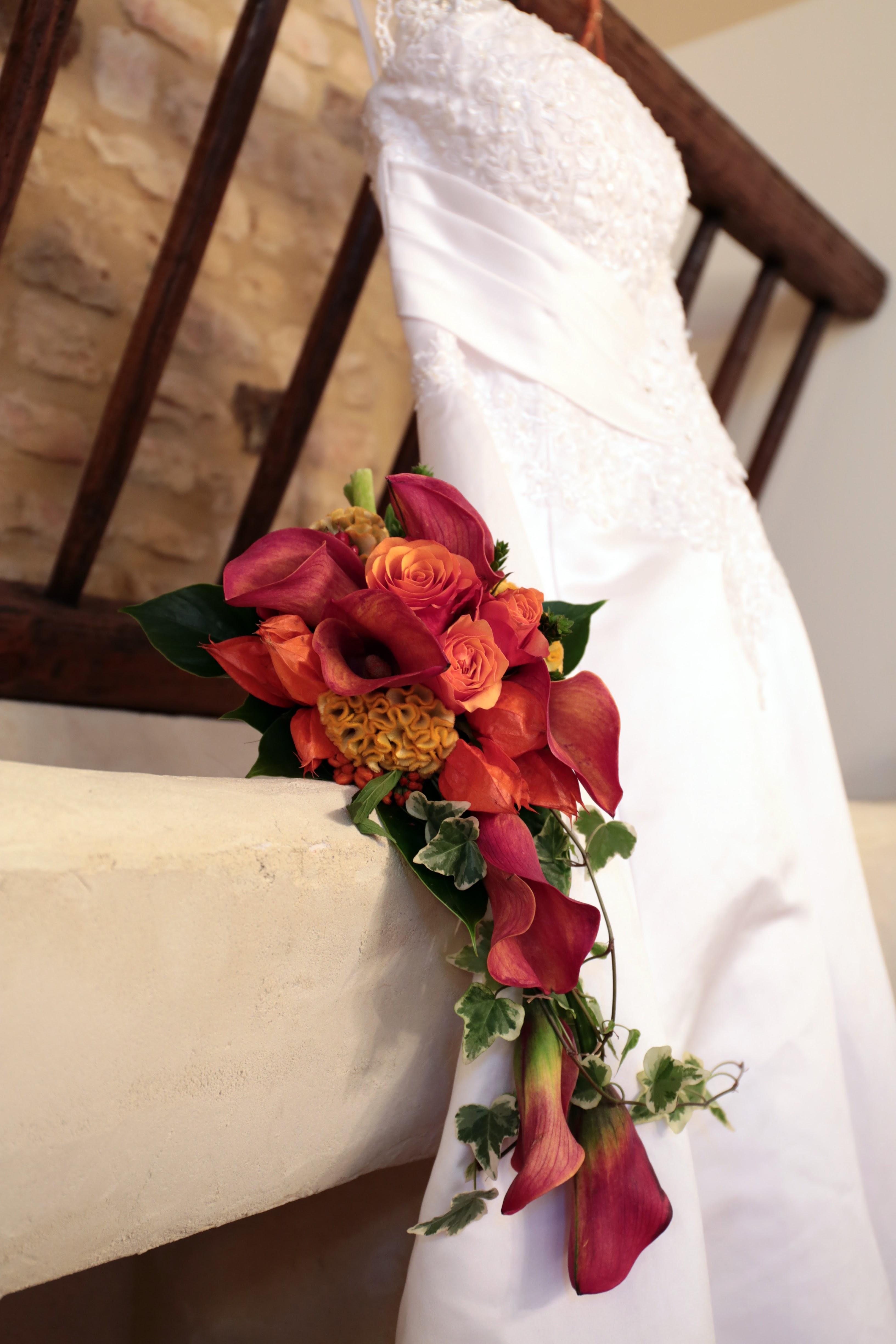 Bouquet tombant de mariée pour mariage en automne