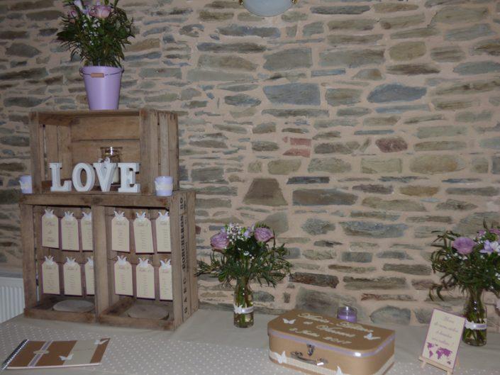 Décoration mariage champêtre chic parme lin caisse à pommes